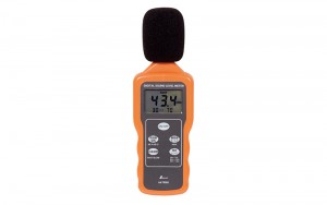 Digital Noise Meter with Maximum Value Holding Function